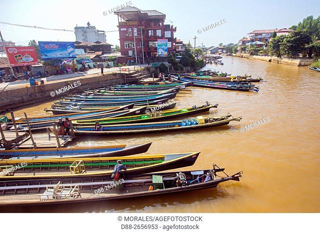 Myanmar, Shan state, Inle lake, harbour of Nyaung Shwe township