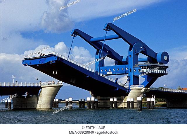 Germany, Mecklenburg-Western Pomerania, island Usedom, Wolgast, Peene-bridge, series, Ostvorpommern, sight, river Peene, bridge, blue miracle