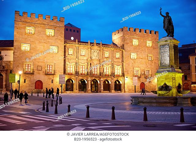 Revillagigedo Palace and 'Monumento a Pelayo' sculpture, Plaza del Marques, Gijón, Asturias, Spain