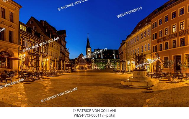 Germany, Saxony-Anhalt, Quedlinburg, market square with fountain at night