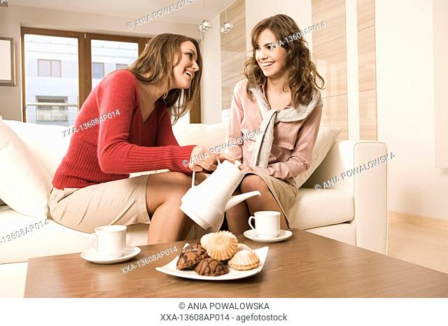girlfriends meeting at home