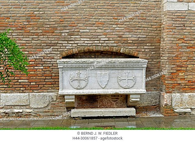 Europe, Italy, Veneto Veneto, Chioggia, Piazzale Perotolo, sarcophagus, rain, detail, building, church, historically, plants, place of interest, tourism, water