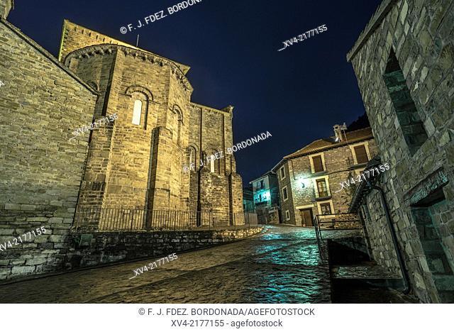 San Pedro de Siresa small village by night. Hecho Valley, Huesca Pyrenees, Aragón, Spain