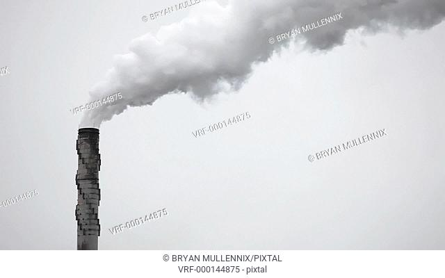 Smoke stack spewing out air pollution