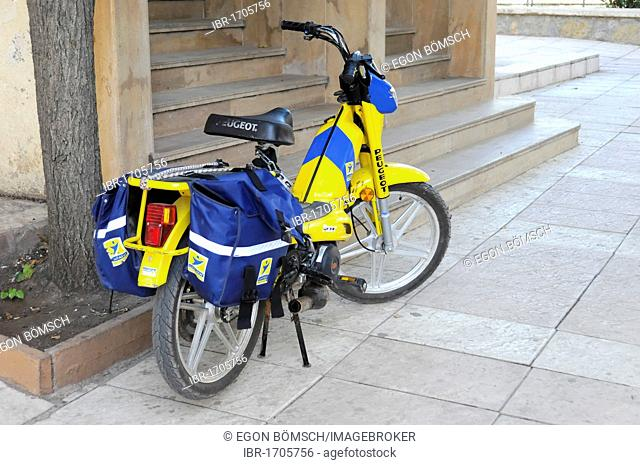 Moped, mail delivery, the Royal Moroccan Post, Ifrane, Morocco, Africa