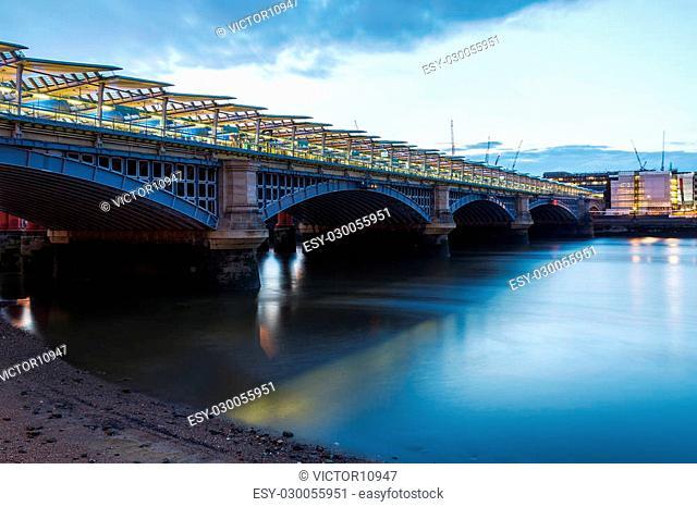 London Blackfriars national rail bridge, station to have platforms that span the river Thames