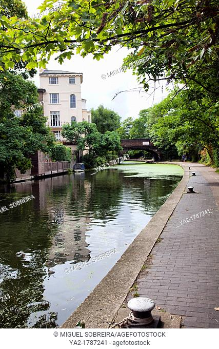 Homes and Tow path along Regent Canal Between Camden Town and Regents Park - London UK