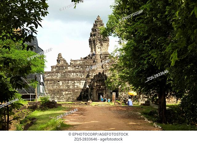 Five stepped pyramid. Bakong temple, Roluos Group, Siem Reap, Cambodia. First of the large mountain temples. Circa Late 9th century