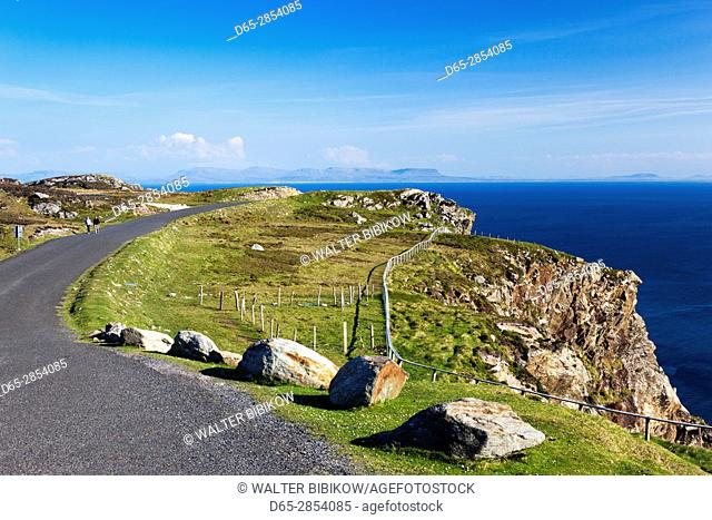Ireland, County Donegal, Teelin, Slieve League, 600 meter high sea cliffs, highest in Europe