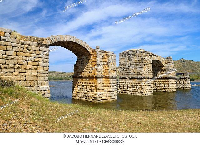 Roman bridge of Alconétar. Cáceres province. Extremadura. Spain