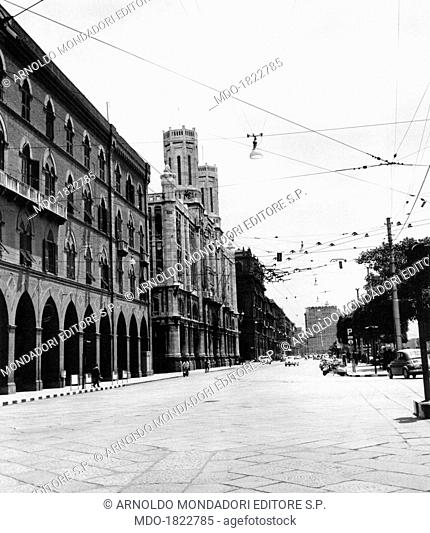 View of via Roma in Cagliari. In the foreground, the Municipal Palace. Cagliari, 1960s