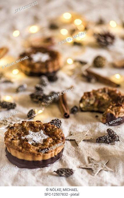 Christmas florentine cakes with chocolate glaze