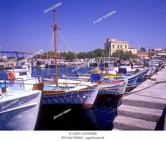 Aegina - Picturesque fishing harbour in Aegina Town