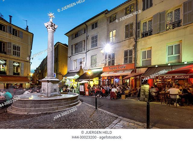 France, Provence-Alpes-Côte d'Azur, Aix-en-Provence, Place des Augustins in Vieil