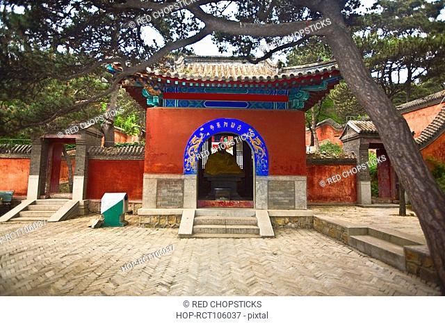 Statue in a temple, Beidaihe, China