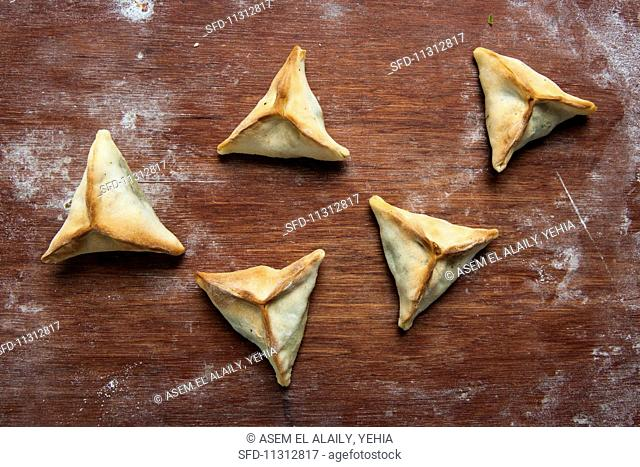Spinach-filled pastries