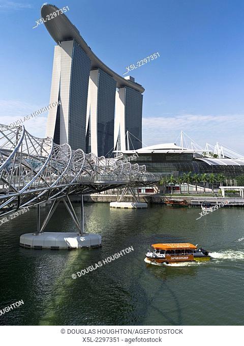 MARINA BAY SINGAPORE Helix bridge Marine Bay Sands Hotel Captain