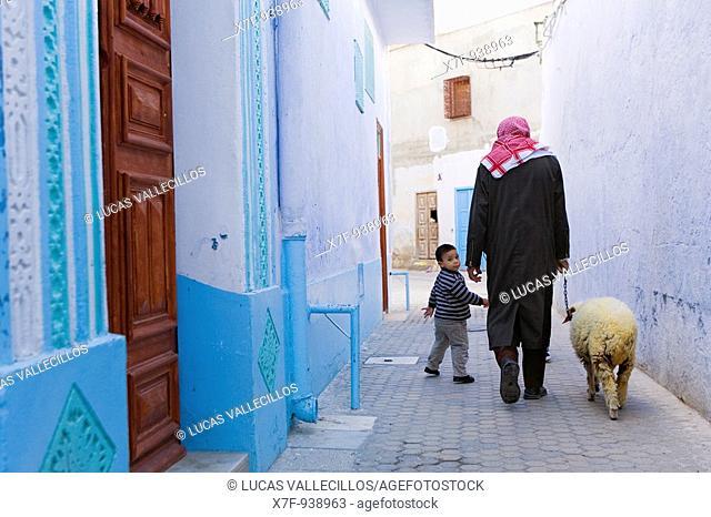 Tunez: Kairouan Medina  Rue Ibn Khalef