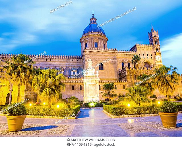Palermo Cathedral (Duomo di Palermo) at night, Palermo, Sicily, Italy, Europe
