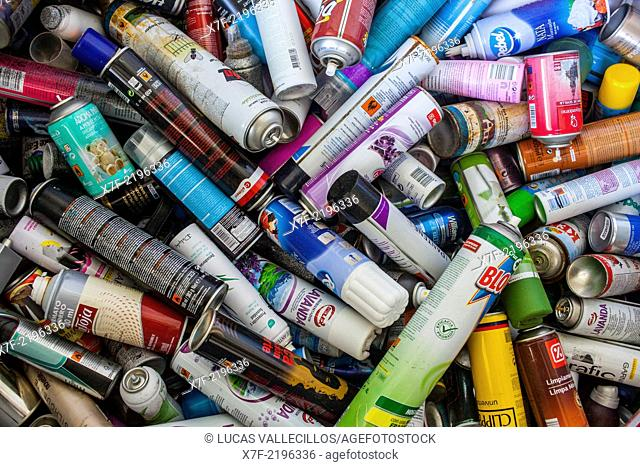 Aerosol storage to recycle, recycling center