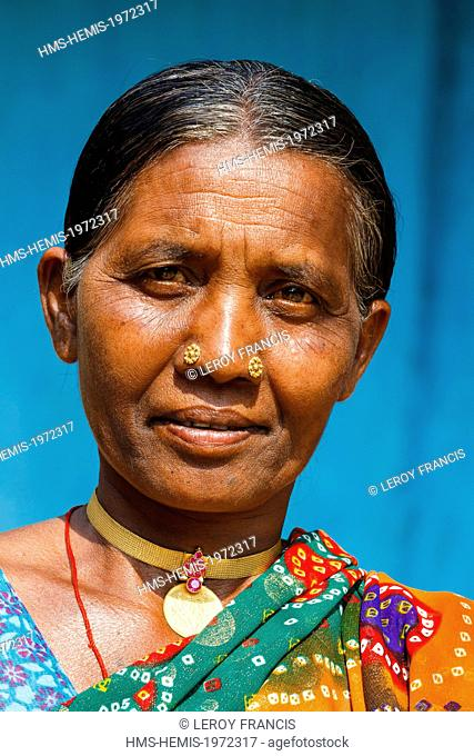 India, Chhattisgarh, Duganpal, Muria tribe woman portrait