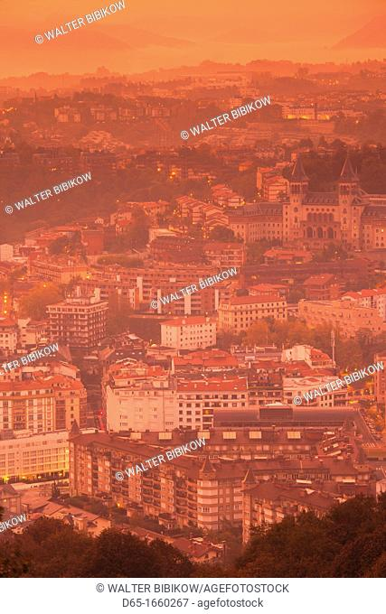 Spain, Basque Country Region, Guipuzcoa Province, San Sebastian, elevated town view from Monte Igueldo, dawn