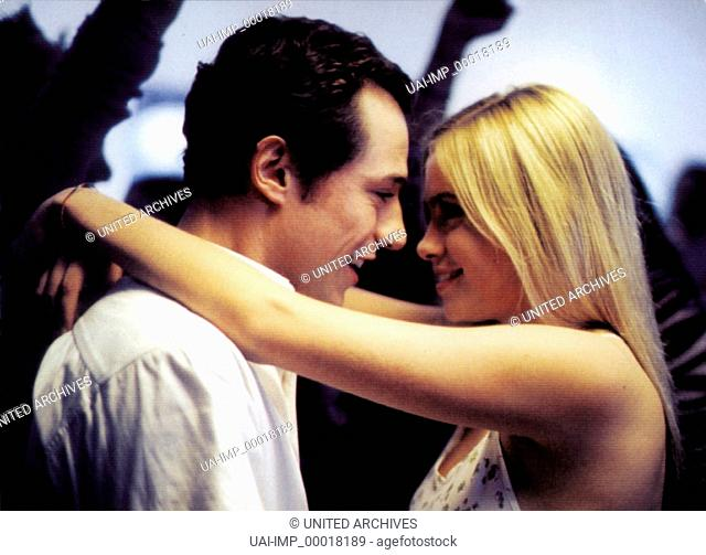 Ein letzter Kuss, (L'ULTIMO BACIO) IT 2001, Regie: Gabriele Muccino, STEFANO ACCORSI, MARTINA STELLA, Stichwort: Umarmung
