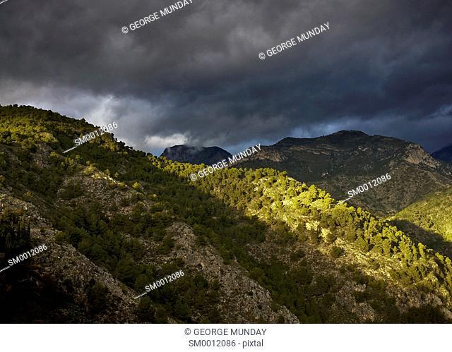 Sierra de Enmedia Mountains,
