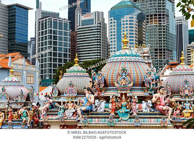 Sri Mariamman hindu temple and skyscrapers. Chinatown district. Singapore, Asia
