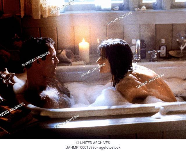 Die Akte Jane, (G.I. JANE) USA 1997, Regie: Ridley Scott, DEMI MOORE (re), Stichwort: Badewanne