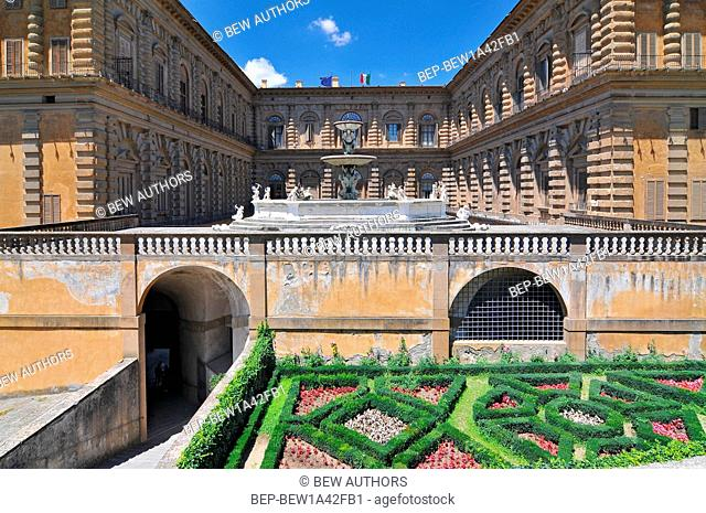 Europe, Italy, Florence, Boboli garden, Palazzo Pitti