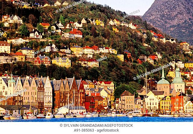 Left, the hanseatic quarter. City of Bergen. Norway (Scandinavia)