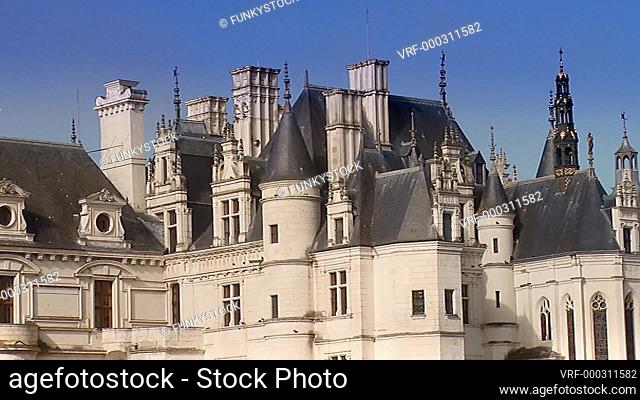 Zoom out from close up of The French Château de Chenonceau spanning the River Cher in early morning sun, Chenonceaux, Indre-et-Loire, Loire Valley, France