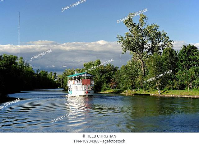 Canada, Canal, Ontario, Peterborough, Trees, Trent-Severn Waterway, boat, horizontal, reflection, summer, tourism, tourist