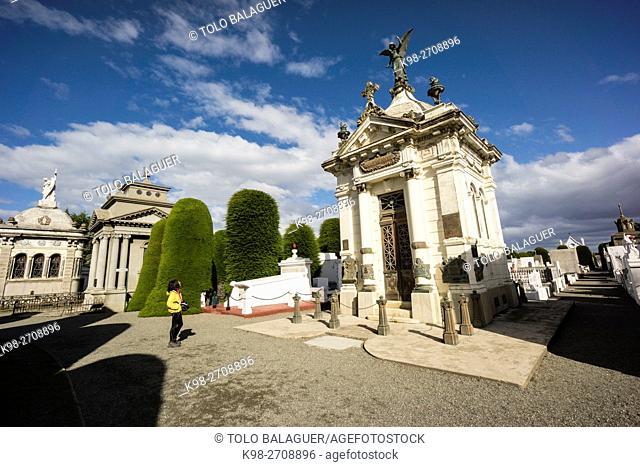 mausoleo de José Menendez, cementerio municipal Sara Braun, 1894, Punta Arenas -Sandy Point-, Patagonia, República de Chile,América del Sur