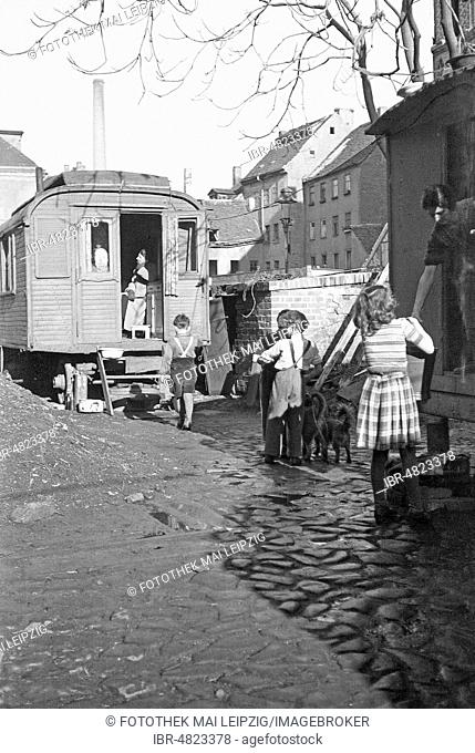 Emergency apartment and makeshift accommodation, living in construction wagon 1948, Leipzig, Saxony, GDR, Germany