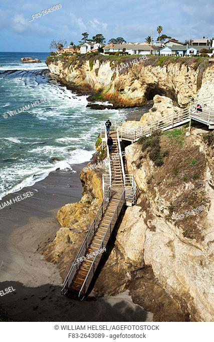 Clifftop houses, staircase to beach, Avila Beach State Park and town of Avila Beach, San Luis Obispo County, CA, USA