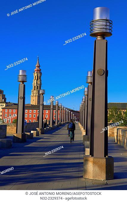 Zaragoza, La seo Cathedral, Puente de Piedra, Saragossa, Aragon, Spain