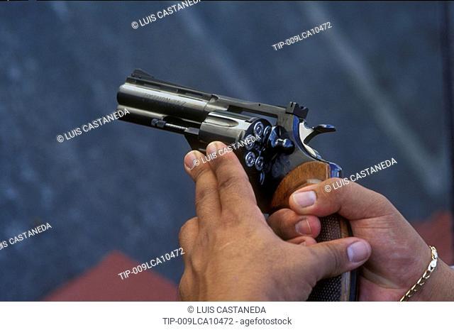 Loading a revolver