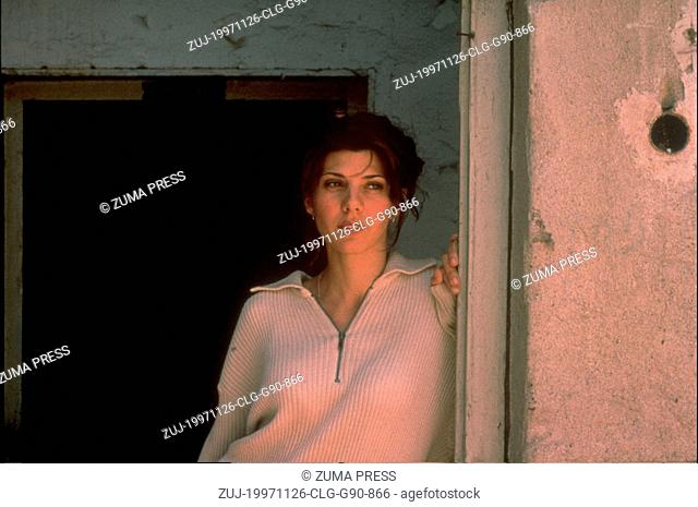 Nov 26, 1997; Los Angeles, CA, USA; Actress MARISA TOMEI as Nina in the Miramax war/drama, 'Welcome to Sarajevo.' (Credit Image: © Courtesy of...