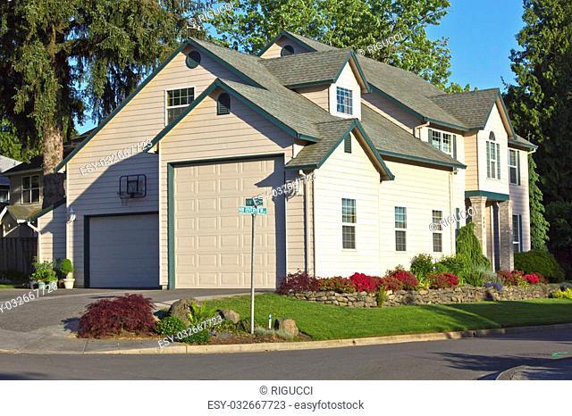 Large family mansion in Gresham Oregon