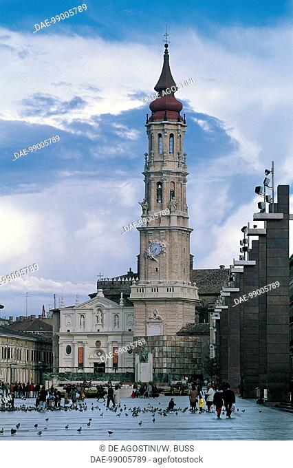 La Seo or Cathedral of San Salvador, with one of the towers of the Basilica of Our Lady of the Pillar on the right, Zaragoza, Aragon, Spain