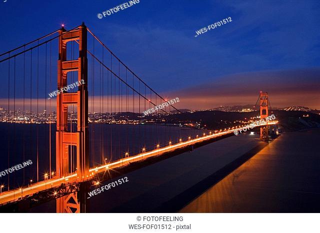 USA, California, San Francisco, Golden Gate Bridge at night