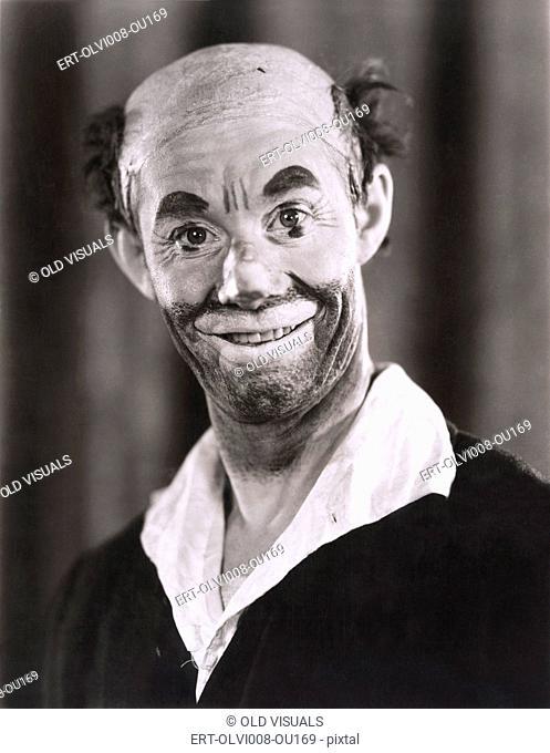 Smiling clown (OLVI008-OU169-F)