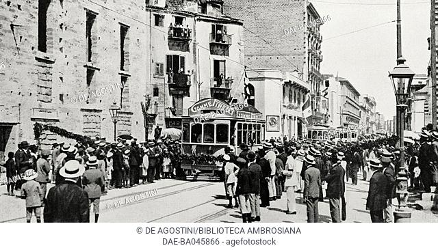 First tram along the new Via Roma, Palermo, Italy, from L'Illustrazione Italiana, Year XLIX, No 36, September 3, 1922. DeA / Veneranda Biblioteca Ambrosiana
