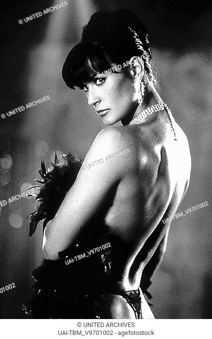 Striptease / Demi Moore