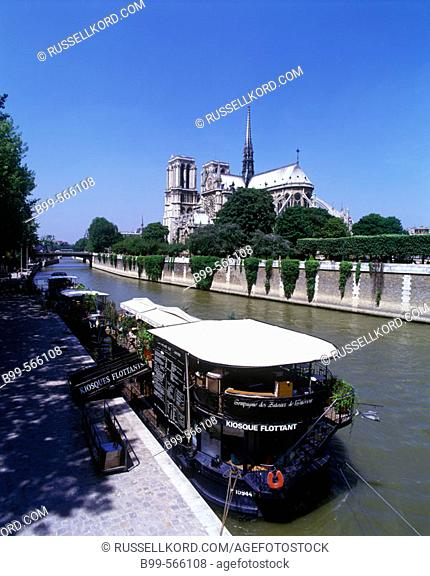 Notre Dame, Quai De La Tournelle. Seine River. Paris, France