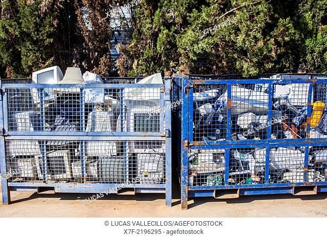 Computer and Appliances storage to recycle,recycling center