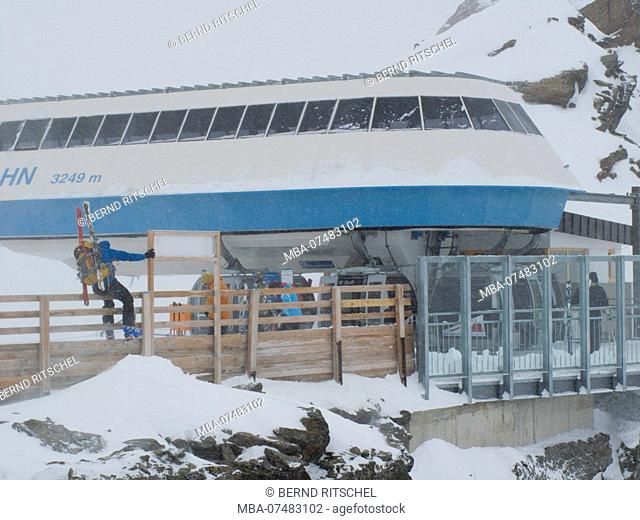 Gondola station at the Tiefenbachjoch, Sölden, Ötztaler Alps, Tyrol, Austria