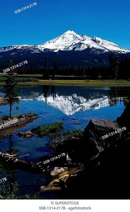 Sparks Lake Broken Top Oregon, USA